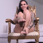TS-Foxxy presents Foxxy in Gold Throne