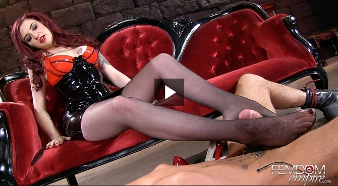 FemdomEmpire_-_Amber_Ivy_-_Sweaty_Feet_Gagging.png