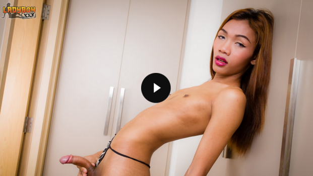 Ladyboy_Beautiful_Slim_Benzy.png