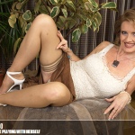 Mature.nl – Raina W. (50) – Mat-Busty 137 – Naughty Housewife Playing with herself