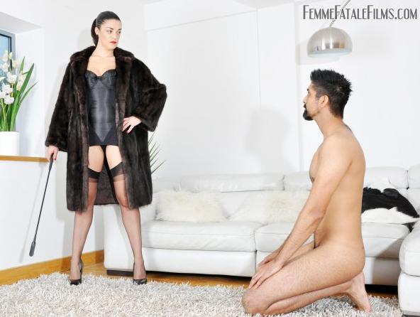 FemmeFataleFilms_-_The_Hunteress_-_Foot_Focus.png