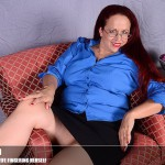 Mature.nl – Laila M. (40) – American housewife fingering herself