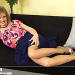 Mature.nl – Raina W. (50) – Mature mama gettin' all dirty