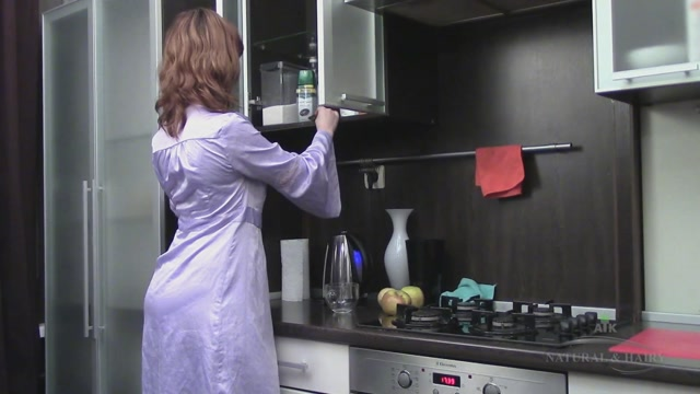 ATKHairy_-_Jessie_Rubs_One_Out_on_the_Kitchen_Counter_-_26.07.2016.mp4.00000.jpg