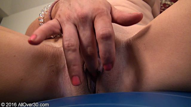 AllOver30_-_Christy_James_36_y.o.wmv.00006.jpg