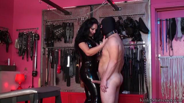 Femdom_-_KinkyMistresses_-_Mistress_Ezada_-_My_private_ballbusting_slave.mp4.00000.jpg