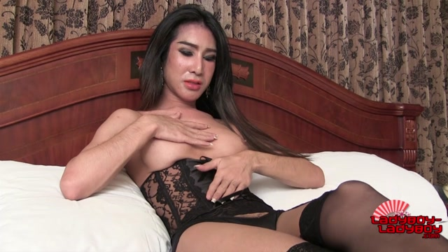 Ladyboy-ladyboy_-_Horny_Boy_Jacks_Off_-_27.07.2016.mp4.00002.jpg