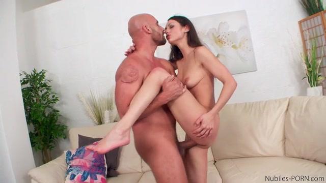 Nubiles-Porn_-_NubilesNetwork_-_Arwen_Gold_-_Russian_Cutie_-_27.07.2016.mp4.00014.jpg