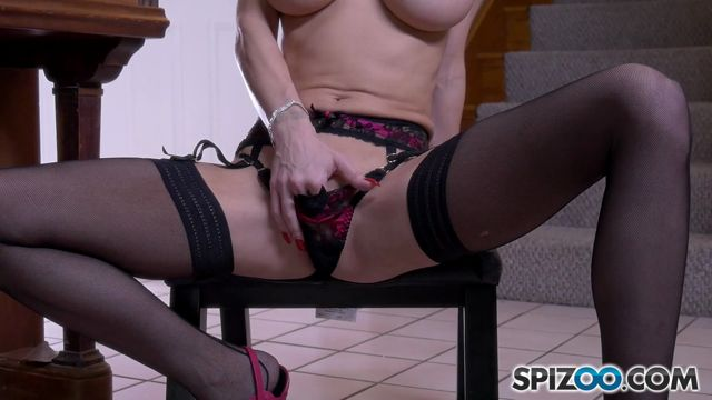 Spizoo_-_Jessica_Jaymes_-_Piano_Lesson_-_29.07.2016.mp4.00009.jpg