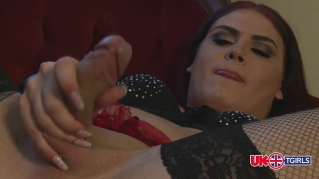 UkTGirls_-_Iza_Uncovered.mp4.00005.jpg