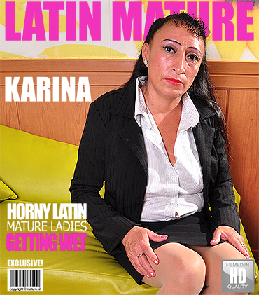 1_Mature.nl_-_Karina_G.__43__-_Latin_Hairy_Older_Lady_Fingering_Herself_-_Mat-Gar019.jpg