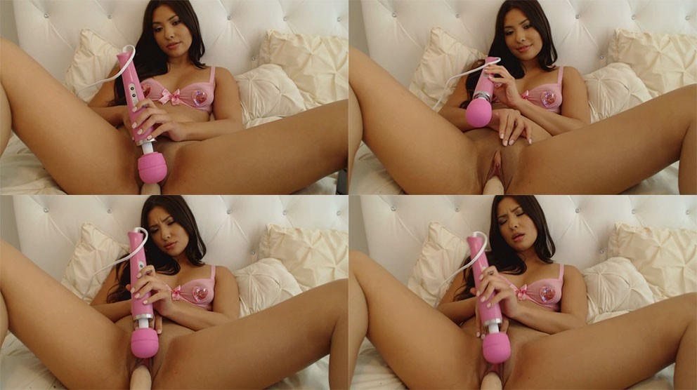 1_MyFreeCams_Webcam_Video_-_Girl_Juliana_-_Hitachi_Creamy_Cum.jpg