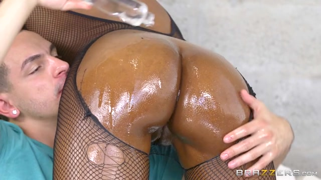 Brazzers_-_BigWetButts_-_Peyton_Sweet_in_Sweet_Ass_Candy_-_16.08.2016.mp4.00003.jpg