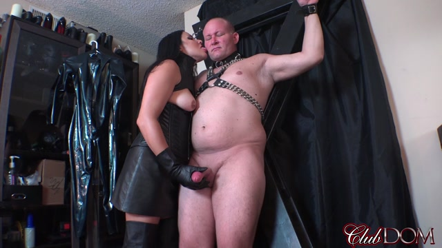 Clubdom_-_Michelle_s_Pleasure_Slave_2__Cropped_and_Punished.mp4.00009.jpg