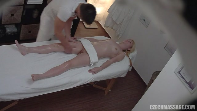 Czechav_-_CzechMassage_273_-_22.08.2016.mp4.00009.jpg
