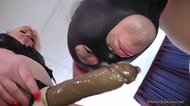 Porn dirty talk handjob from mom