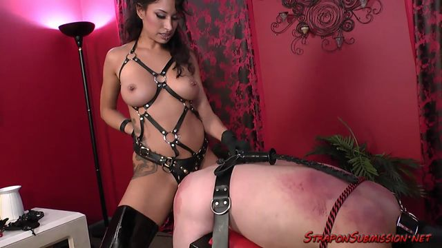 Femdom_-_Straponsubmission_-_Mistress_Svetlana_-_In_For_It.mp4.00011.jpg