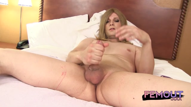 Femout_-_Pretty_Kitty_Cat_-_19.08.2016.mp4.00008.jpg