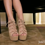 Jerktomyfeet – Alone in the Office