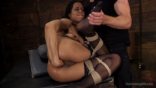 Kink_-_TheTrainingofO_presents_Kira_Noir_Trained_to_Fist_Her_Own_Ass_-_Anal_Fisting_-_02.08.2016.mp4.00011.jpg