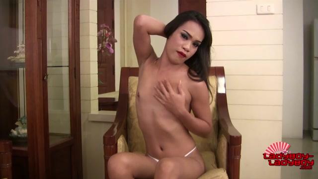 Ladyboy-ladyboy_-_Sexy_Slim_Poen_Jacks_Her_Hard_Cock__-_24.08.2016.mp4.00001.jpg