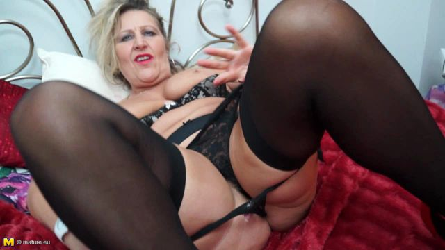Mature.nl_-_Misty_M.__EU___53__-_Mat-EU-TUK066_-_British_housewife_playing_with_herself_-_08.08.2016.wmv.00005.jpg