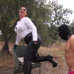 Mistress Ezada Sinn – Leather loving sissy