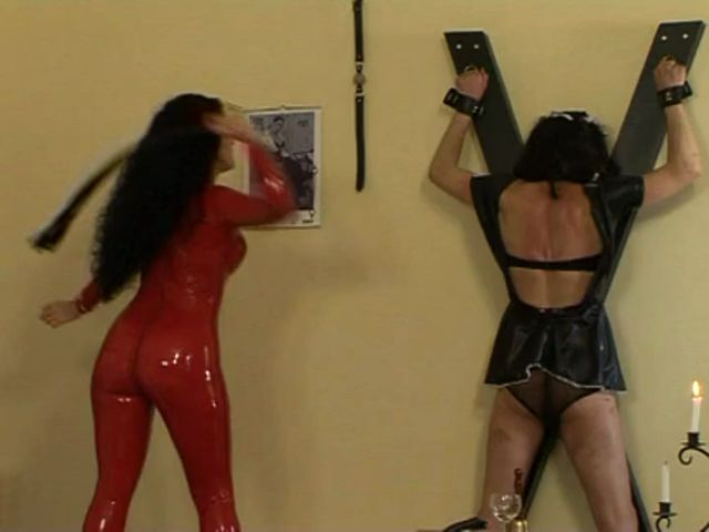 OWK_-_MISTRESS_LUNA_-_MALE_MAID_IN_PAIN.mp4.00009.jpg