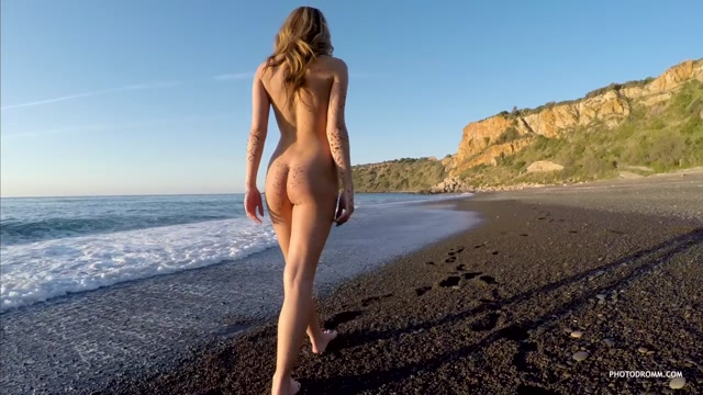 PhotoDromm_presents_Nici_in_Lines_on_The_Sand_2_-_03.08.2016.mp4.00012.jpg