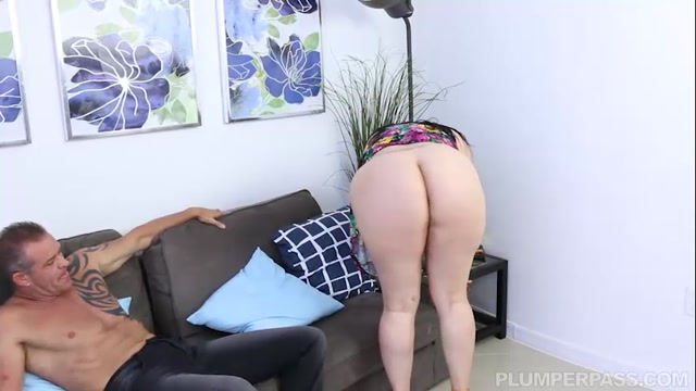 Plumperpass_-_Angelina_Castro_in_Fucking_The_Help_-_10.08.2016.mp4.00002.jpg