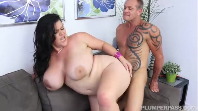 Plumperpass_-_Angelina_Castro_in_Fucking_The_Help_-_10.08.2016.mp4.00011.jpg