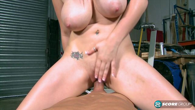 Pornmegaload_-_Scorevideos_-_Cassandra_Calogera_-_Fucking_Cassandra_Calogera_In_The_Garage_-_26.08.2016.mp4.00004.jpg