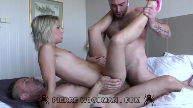 WoodmanCastingX_-_Alix_Feeling_-_Hard_-_destroyed_by_3_men_-_1.08.2016.mp4.00008.jpg