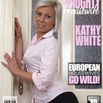 Mature.nl presents Kathy White (41) in Naughty Housewife Fingering Herself – 20.09.2016