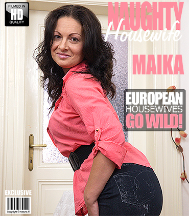 1_Mature.nl_presents_Maika__35__-_Hot_Housewife_Playing_With_Herself_-_12.09.2016.jpg
