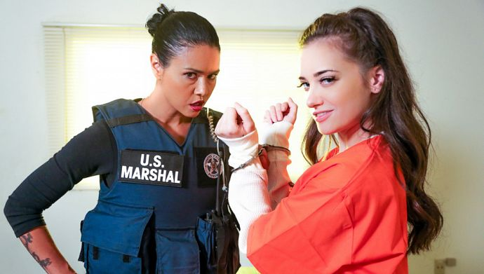 1_SweetHeartVideo_presents_Dana_Vespoli__Gia_Paige_in_Prison_Lesbians_4_Scene_1_-_Manipulation_-_26.09.2016.jpg