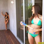 RealityKings – WeLiveTogether presents Abigail Mac, Ruby Sparx in Creamy Lips – 22.09.2016