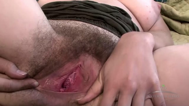 ATKHairy_presents_Clara_Brown_Masturbation_-_30.09.2016.mp4.00006.jpg