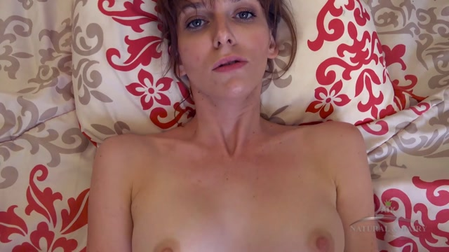 ATKHairy_presents_Emma_Evins_in_Hairy_Fun_-_20.09.2016.mp4.00004.jpg
