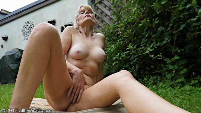 Allover30_-_Jane_B_57_Years_Old_Mature_Pleasure_-_02.09.2016.wmv.00013.jpg