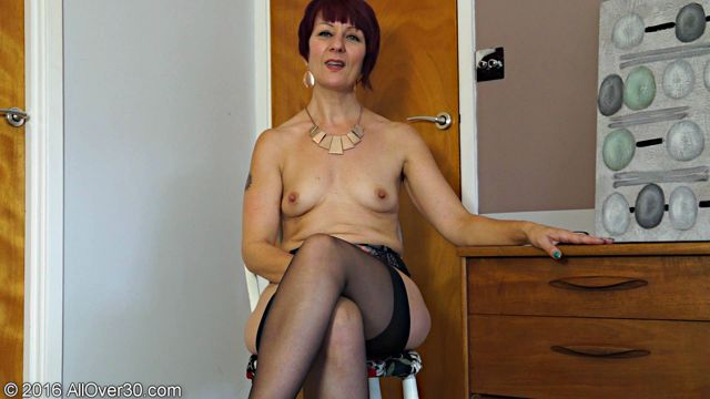 Allover30_presents_Penny_Brooks_49_Years_Old_Interview_-_19.09.2016.wmv.00011.jpg