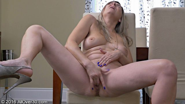 Watch Online Porn – Allover30 presents Velvet Skye 50 Years Old Mature Pleasure – 20.09.2016 (WMV, FullHD, 1920×1080)