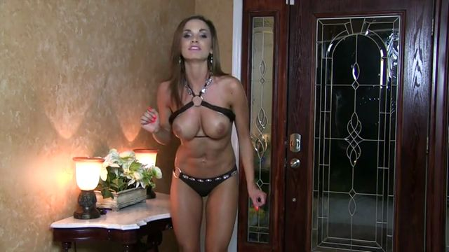 Ashley_Sinclair_-_Bikini_Boobs_CEI.mp4.00010.jpg