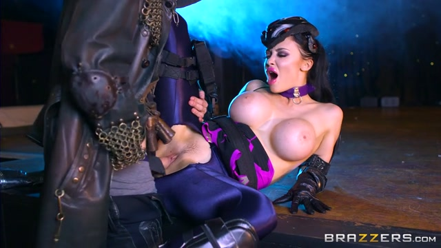 Watch Online Porn – Brazzers – PornstarsLikeItBig presents Aletta Ocean in Oversnatch: A XXX Parody – 26.09.2016 (MP4, SD, 854×480)