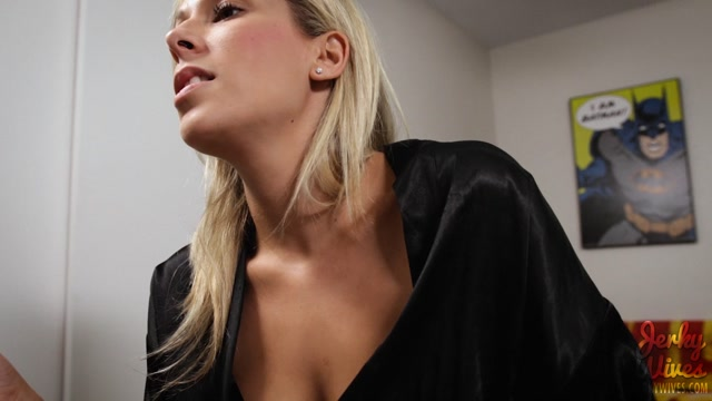 Clips4Sale_-_JerkyWives_presents_Nikki_Brooks_in_Neglected_Mommy.mp4.00003.jpg