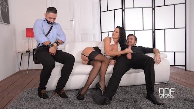 Watch Online Porn – DDFNetwork – HouseOfTaboo presents Jasmine Jae in The Bound Cuckold – A Horny Wifes Deep Throat Affaire – 29.09.2016 (MP4, SD, 640×360)