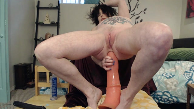 DirtyGardenGirl_-_Peehole_Prolapse_Cervix_with_Deep_Anal.mp4.00003.jpg