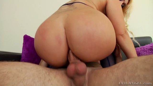 Watch Online Porn – EvilAngel presents Nina Kayy, Logan Pierce in Voluptuous Blondes Massive Ass Reamed – 26.09.2016 (MP4, SD, 720×400)