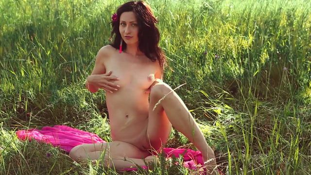 FemJoy_presents_Yasmi_in_Lush_Meadow_-_25.09.2016.mp4.00006.jpg