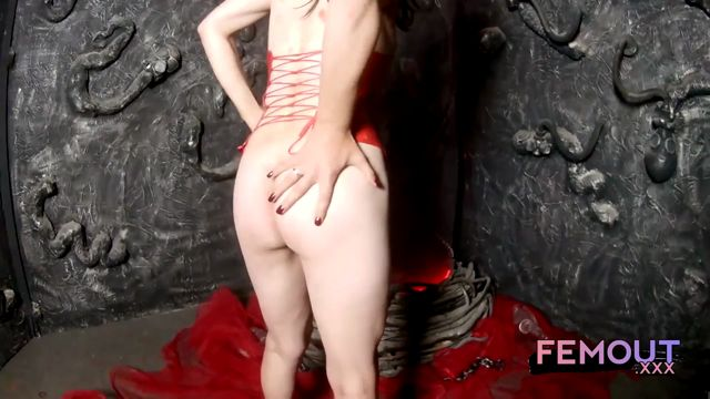 Femout.xxx_presents_Dasha__Fall_To_Her_Feet_-_09.09.2016.mp4.00001.jpg
